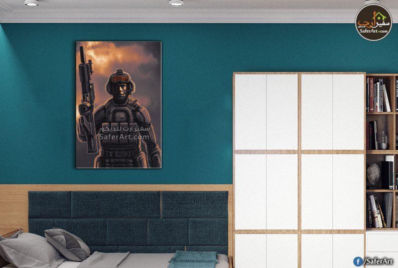 تابلوه حائط مودرن جندي بيده سلاح