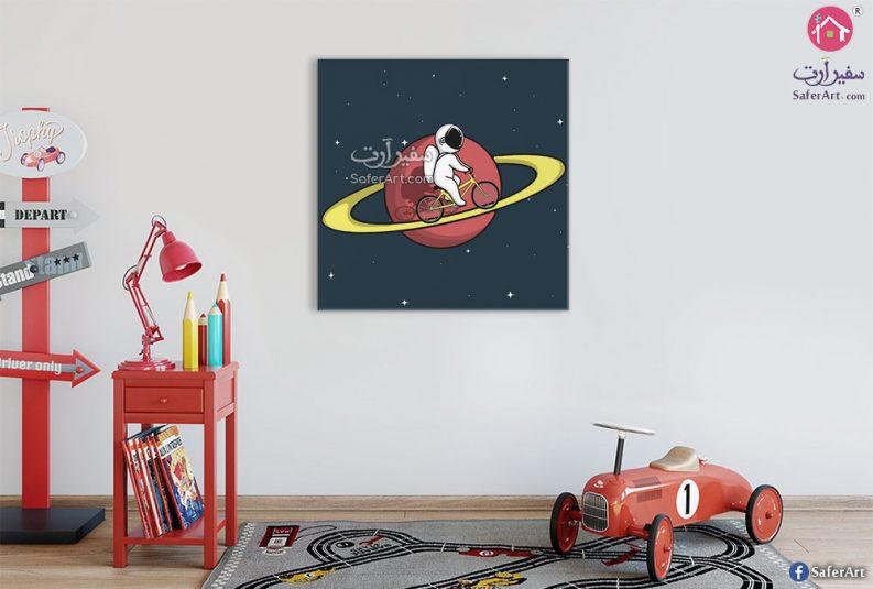 رائد فضاء يقود دراجه ويلف حول الارض