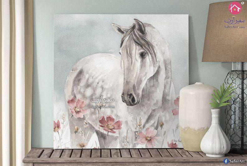 لوحه للديكور مصممه بشكل جذاب ورومانسي لحصان مصمم باللون الابيض